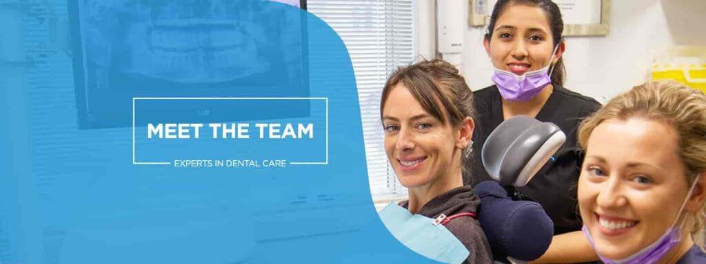 Contenidos de una web para dentistasLa creación de los contenidos de la página web de la clínica dental es una de las partes fundamentales del proyecto. Crear contenidos interesantes y visualmente atractivos, dotará a nuestra página web de prestigio y credibilidad. Es importante que el diseñador de la página web esté documentado a la hora de elaborar los textos de la página principal y de los servicios.Los contenidos de las Páginas Web para Clínicas Dentales y Dentistas deben estar basados en una estructura de páginas que permita mostrar la información relevante de la clínica dental. A continuación te mostramos una estructura de páginas básica para la clínica así como un poco de información relevante para elaborarlas.